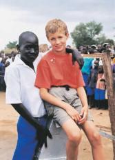 El niño que le dio agua a medio millón de africanos