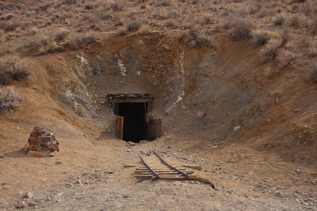 Туннель в никуда мексиканца Уильяма Генри Шмидта