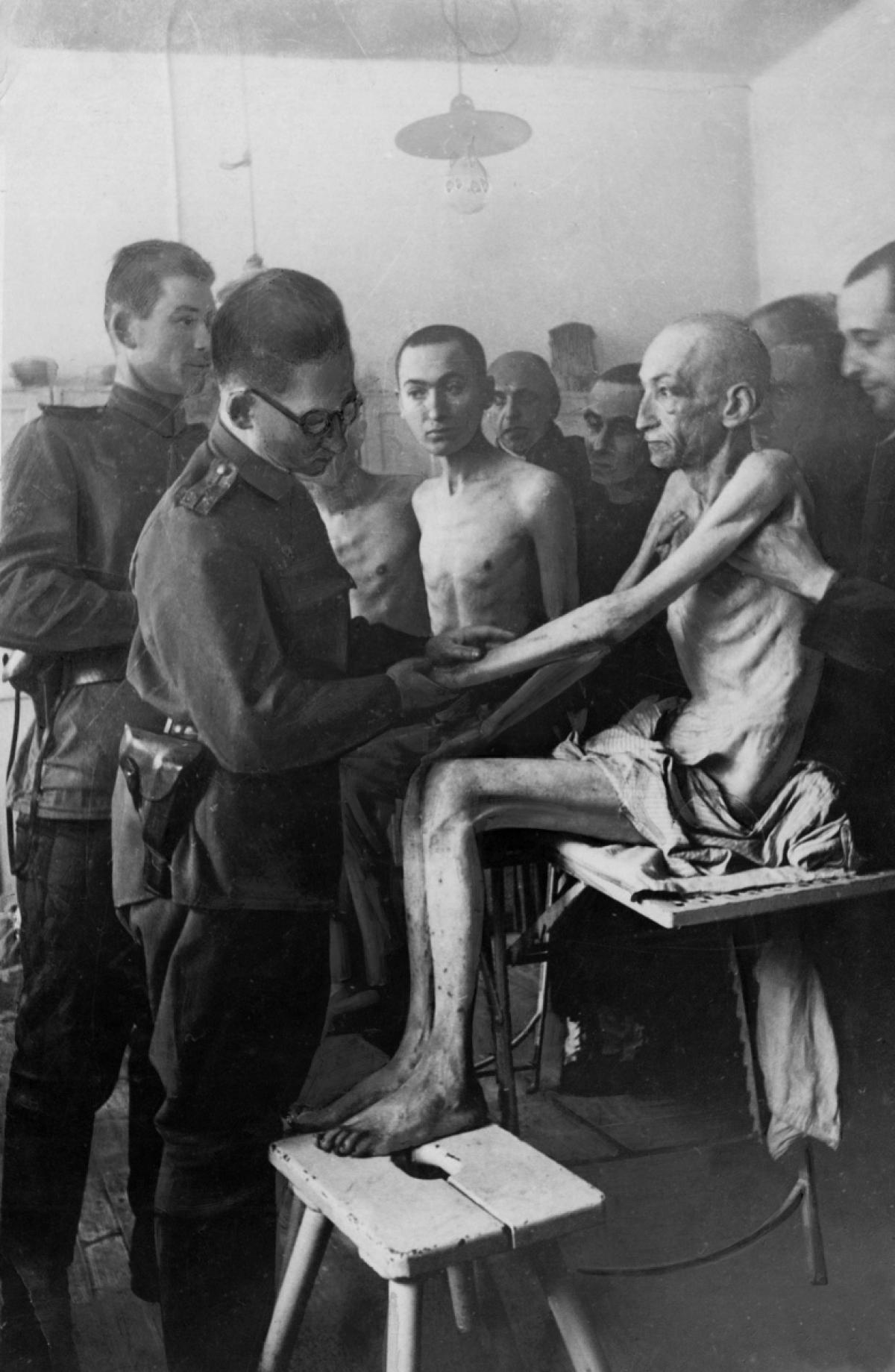 фото голые врачи